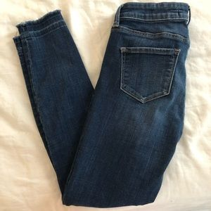 A&F Ankle Jean Slightly Distressed 0R